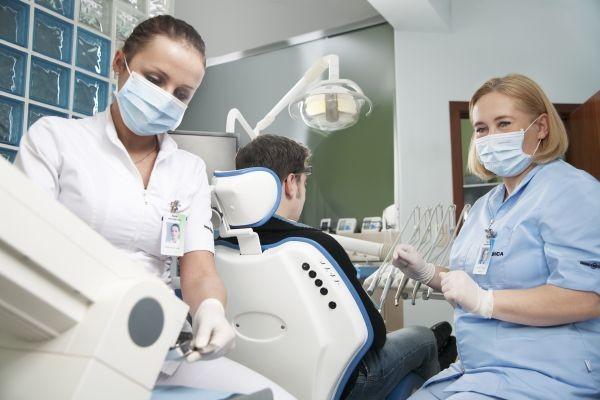 発展途上の歯科スタッフがとりやすい行動とその対策