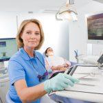 歯科衛生士を派遣で雇用する道